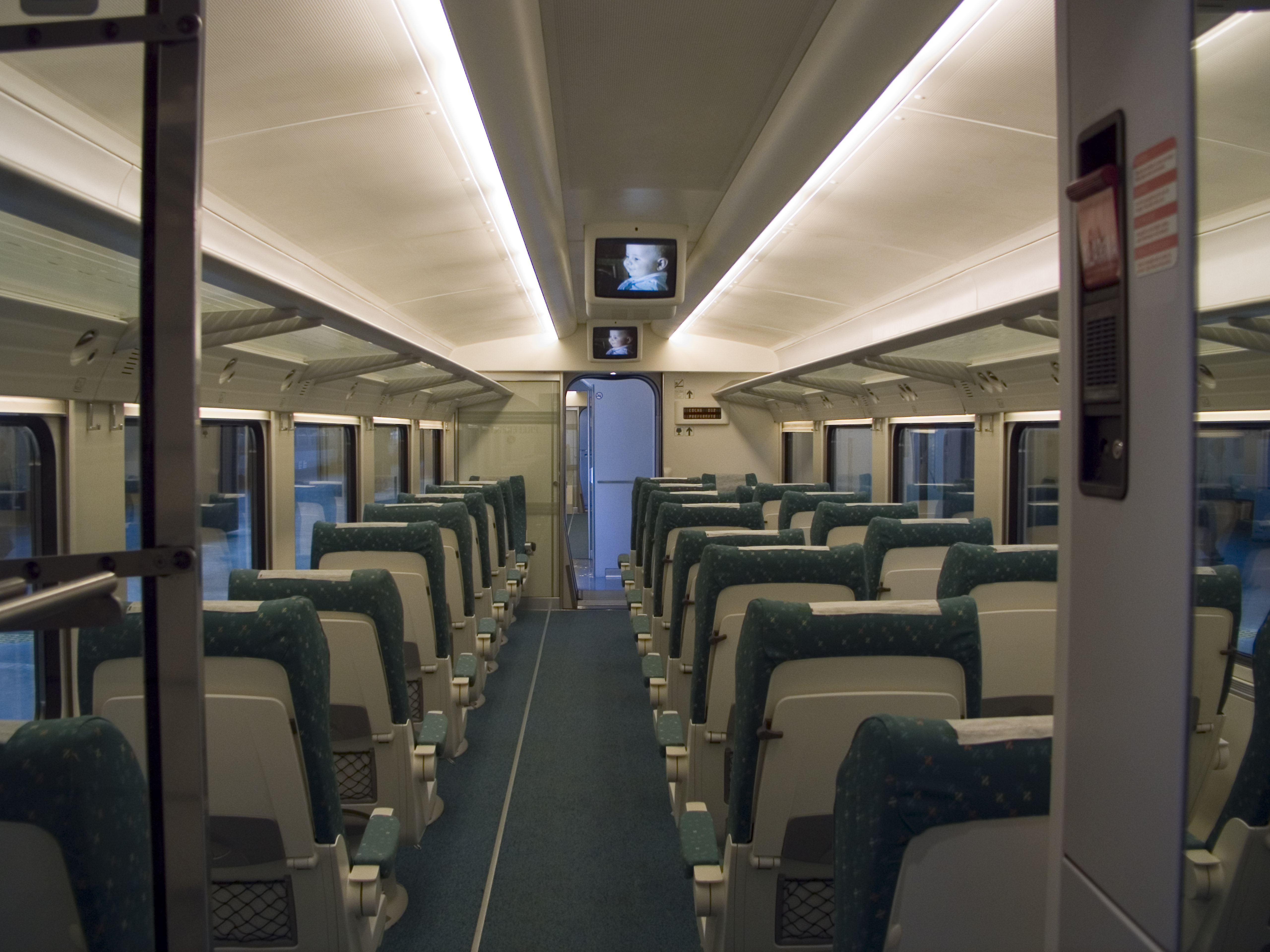 Image gallery renfe interiors for Interior images